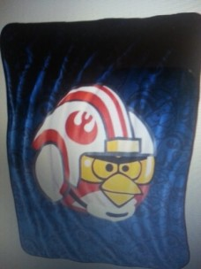 Angry-Birds-Star-Wars-Throw-0