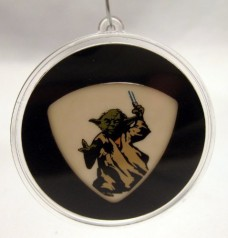 Star-Wars-II-Yoda-Guitar-Pick-With-MADE-IN-USA-Christmas-Ornament-Capsule-0